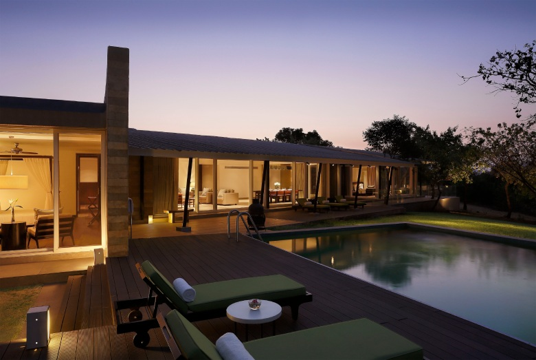 Presidential villa with 3 bedroom, private deck, pool